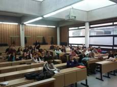 *Roberta Lídice: Profesora Conferenciante del Máster Universitario en Acceso a la Abogacía en la Universidad de Castilla-La Mancha (UCLM) - España. *** Dictando clase en el curso de grado en Derecho de la Universidad de Castilla-La Mancha (UCLM) - España.