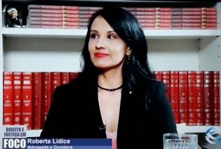 """*Entrevista: Neste Domingo (7), o programa """"Direito e Justiça em Foco"""" recebe a Dra. Roberta Lídice para abordar o tema: """"Violência Familiar: Quebrando o Silencio"""". Programa """"Direito e Justiça em Foco"""" - TV Rede Gospel. Neste Domingo (7), o programa """"Direito e Justiça em Foco"""", apresentado pelo Desembargador Laércio Laurelli, recebe a Dra. Roberta Lídice para abordar o tema: """"Violência Familiar: Quebrando o Silencio"""". Esta entrevista será exibida na TV Rede Gospel, às 22h, através dos seguintes canais: TV Aberta: Canal 53.1; NET HD: Canal 526; Online: site e app Rede Gospel. Assista à íntegra do DJF deste domingo (7): https://youtu.be/FHjVg34nXx4"""